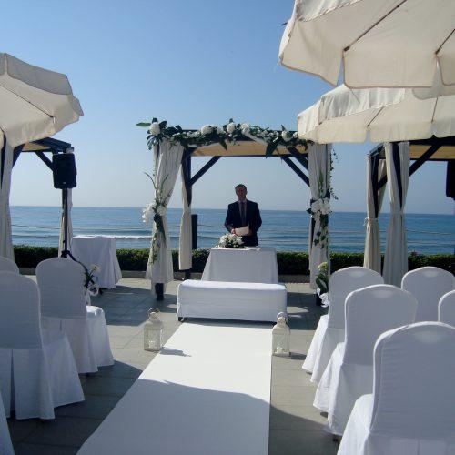 Officiant de cérémonie en français à Marbella
